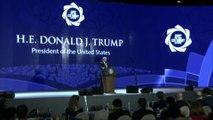 """Trump défend """"l'Amérique d'abord"""", Xi Jinping la mondialisation"""