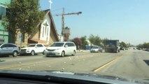 Ce chauffard en camion percute plusieurs voitures et prend la fuite