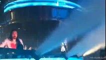 Céline Dion se lâche sur scène pour la bonne cause