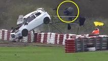 Un cameraman saute de sa plateforme