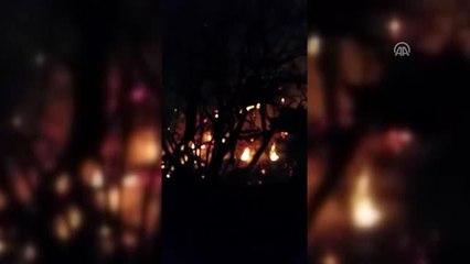 Yangında Mahsur Kalan Ev Sahibini Komşuları Kurtardı