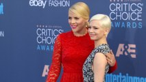 Busy Philips tröstet Michelle Williams an Heath Ledgers 10. Todestag