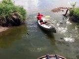 Quand les poissons se jettent directement dans ton canoe... Peche miraculeuse