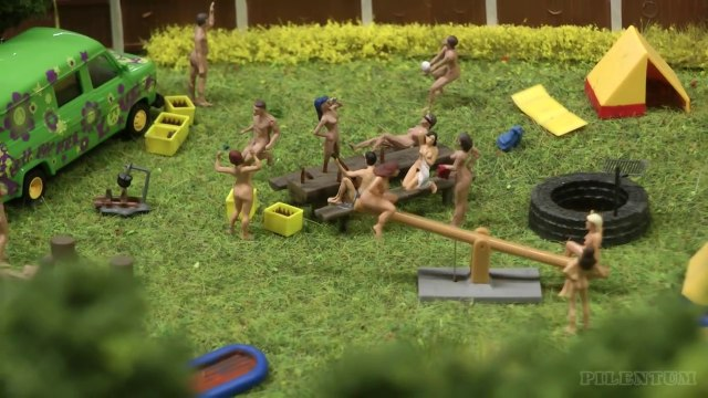 Video family nudist Family of