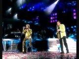 """Johnny Hallyday chante """"Aimer vivre"""" lors de son concert à la Tour Eiffel en 2000"""