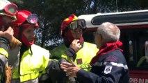 Incendie à Port St Louis: Les pompiers luttent au sol contre les flammes (video)