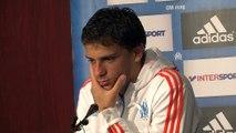 Lucas Mendes visiblement pas d'accord avec les gestes de Léonardo