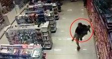 Markette Alışveriş Yapan Polis, Kucağındaki Çocuğuyla Soyguncularla Çat�