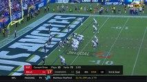 Buffalo Bills quarterback Tyrod Taylor takes it in himself for 2-yard rushing TD