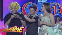 It's Showtime Miss Q & A: Vice Ganda gets emotional