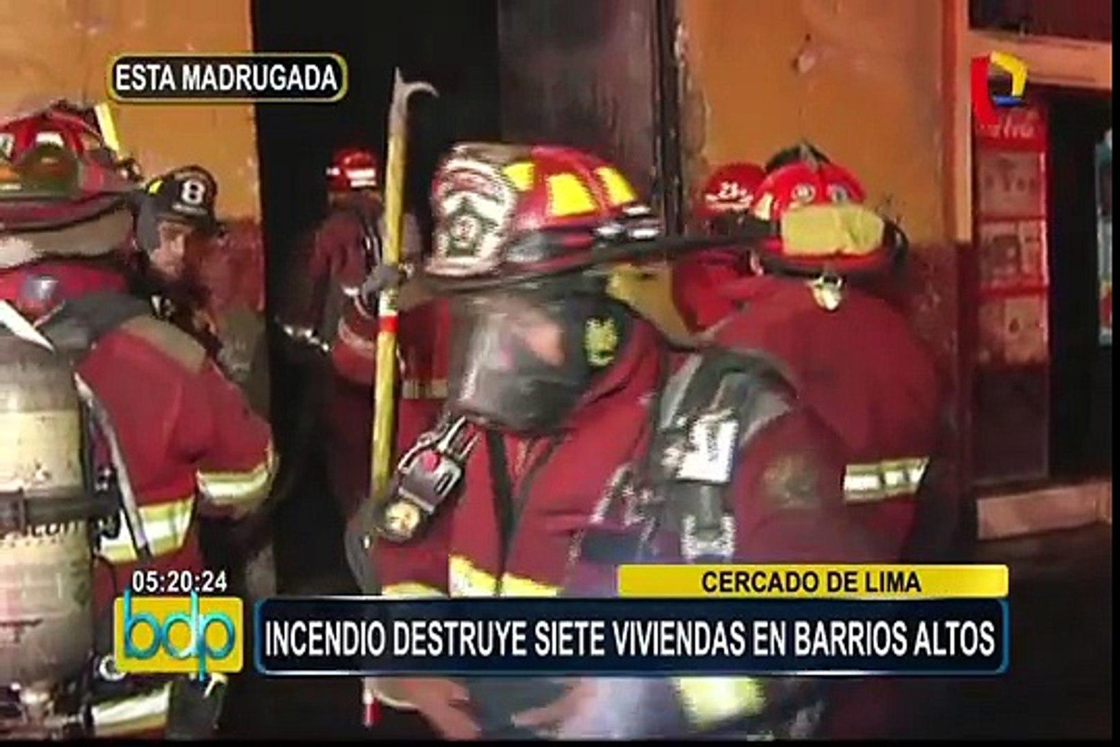 Cercado: voraz incendio destruye siete viviendas en Barrios Altos