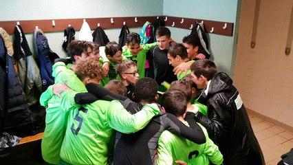 Cri de guerre après la victoire 2-4 face à l'US Marseille-en-Beauvaisis le 12/11/2017 en championnat