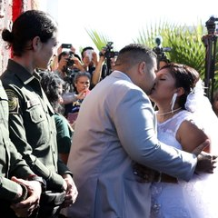 This couple got married at the border gate [Mic Archives]
