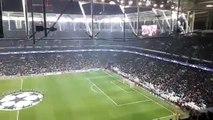 É assim o ambiente INFERNAL no estádio do Besiktas