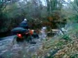 passage rivière en quad polaris scrambler 4x4 2006