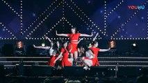 饭拍韩国女团热舞现场, 很受欢迎的一首歌!_高清(00h02m20s-00h02m22s)