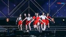 饭拍韩国女团热舞现场, 很受欢迎的一首歌!_高清(00h02m40s-00h02m41s)