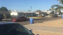 Sa voisine se plaint du bruit de sa voiture ? Il appelle tous ses potes fans de tuning pour se venger !