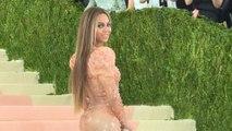 Weihnachten: Beyoncé bringt Kleidung und Festschmuck heraus