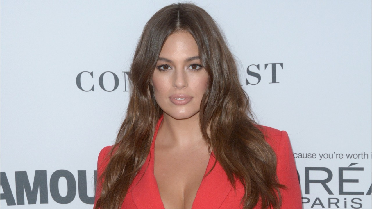 Ashley Graham Continues To Advocate For Curvy Women. http://bit.ly/2zwnQ1x