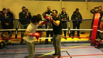 Le champion olympique de boxe Brahim Asloum à la rencontre des petits boxeurs de Valentigney, dans le Doubs
