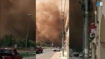 La fin du monde en Arabie Saoudite : tempête de sable qui avale la ville