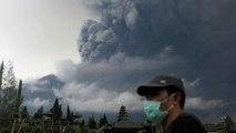 Vulkan Agung auf Bali spuckt Asche