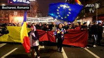 Romanians protest over move to hobble corruption fight
