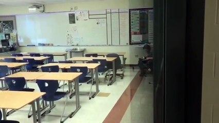 Mais que fait cette prof ?