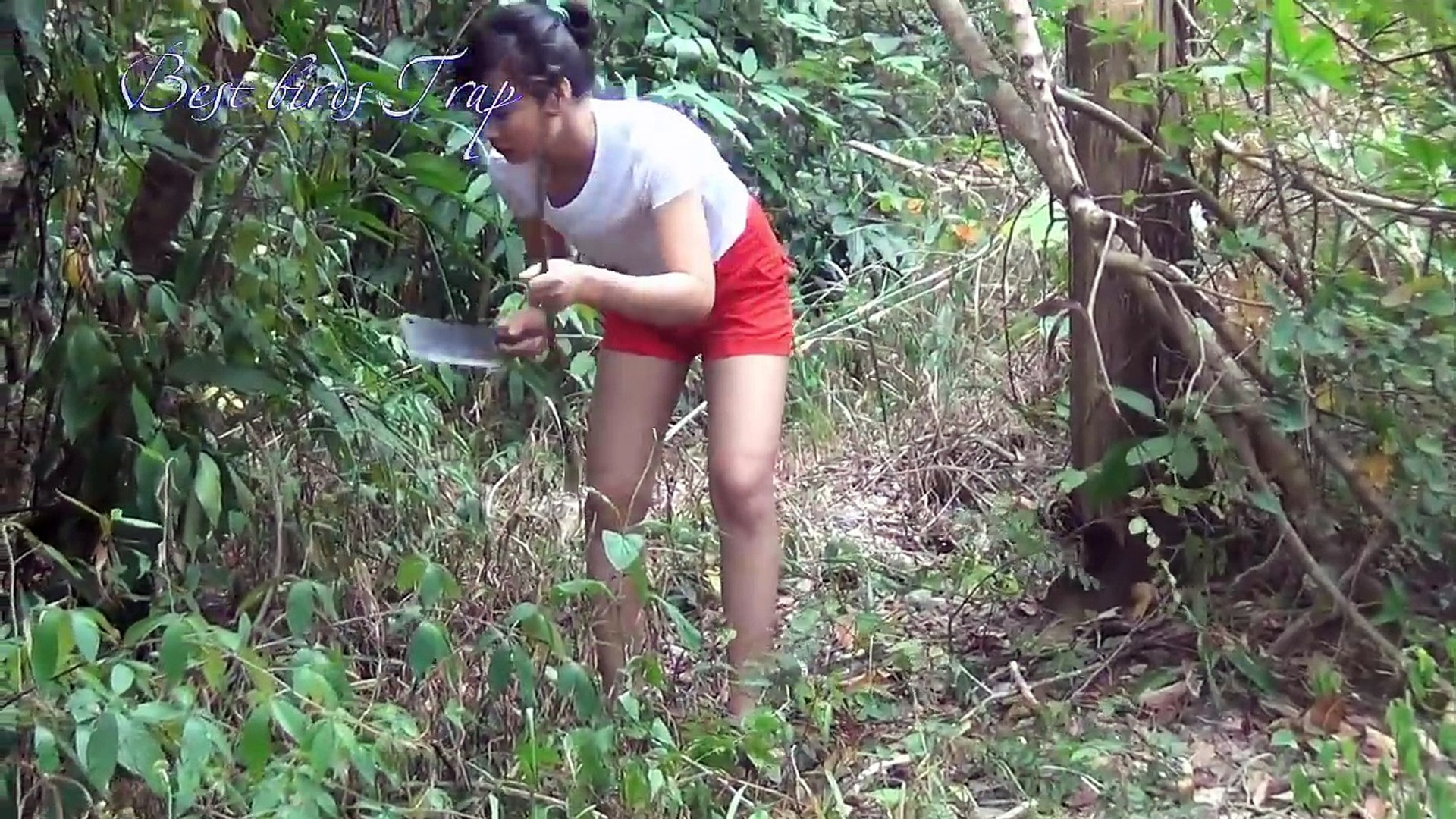 WoW !!! Amazing Beautiful Girl Catch Village Snake | How to catch Water Snake | Easy to ca
