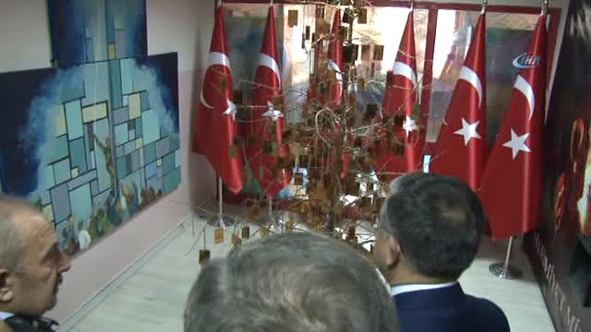 Cumhurbaşkanlığı Sözcüsü Kalın ve Yavuz Bingöl Öğrencilerle Birlikte Saz Çalarak Türkü Söyledi