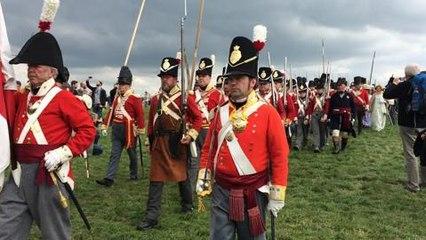 Du côté des alliés, les Anglais comme à la parade en arrivant sur le champ de bataille