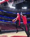 Zach LaVine claque un gros dunk à l'entraînement