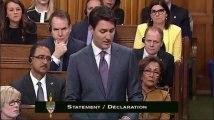 En larmes, Trudeau s'excuse auprès des homosexuels victimes de discriminations