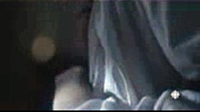 Edward Holcroft Dr. Jordan  Grace (fantasy kiss scene  bedroom) #1 - Alias Grace (TV Series)