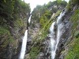 Cascade d'enfer – Vallée du Lys – Bagnères de Luchon – Chute d'eau Pyrénées – Randonnée Tourisme Montagne Vlog Vacances