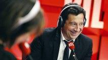 """Laurent Gerra imitant Laurent Delahousse : """"Un jour, un crétin"""""""