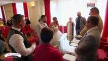 4 mariages pour 1 lune de miel : Un maire agacé par le retard de la mariée (vidéo)