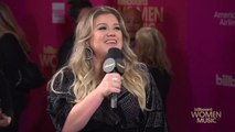 "Kelly Clarkson Would Tell Her 'American Idol' Self to ""Relax"" 