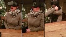 Un mère de famille teste la VR pour la 1ère fois, pauvre chien..
