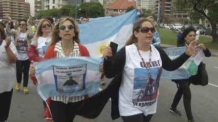 Familiares de los tripulantes del ARA San Juan reclaman presencia de Macri