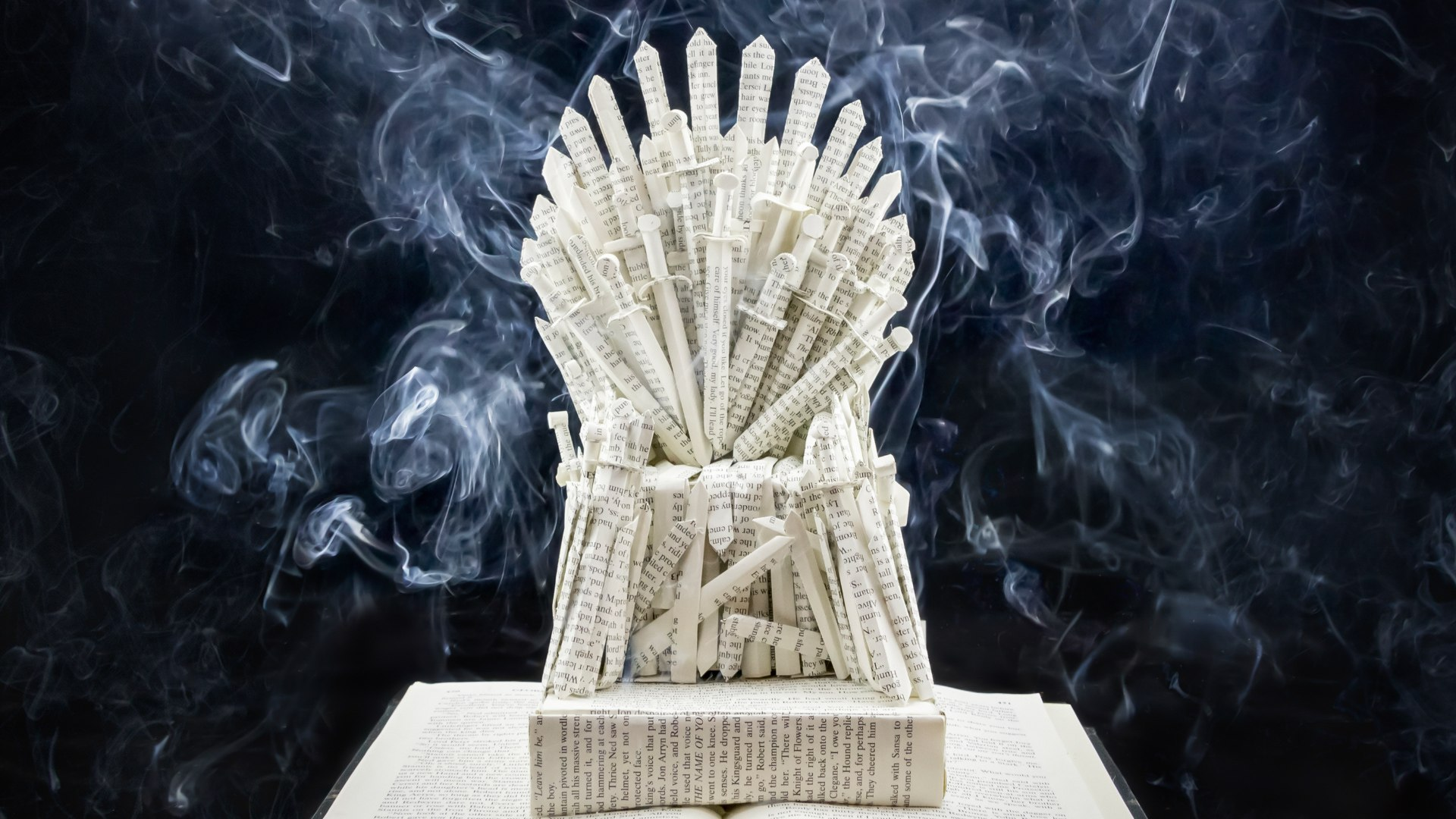 Artist creates 'Game Of Thrones' scenes using books