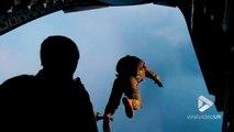 Saut en parachute de forces spéciales à 250km/h sans visibilité !!