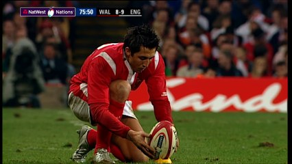 Henson kicks huge penalty to beat England in 2005 NatWest 6 Nations