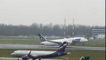 Boeing 737 MAX 10 Landing Gear - video dailymotion
