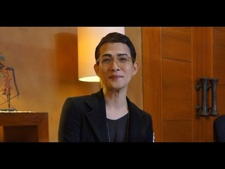 Designer Oscar Lawalata seeks to support batik artisans