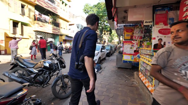 INDIAN STREET FOOD of YOUR DREAMS in Kolkata, India - ENTER CURRY HEAVEN + BEST STREET FOOD in India