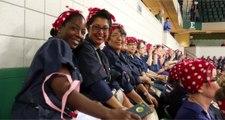 3755 mujeres reivindicaron el feminismo vestidas de Rosie the Riveter