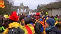 Miles de independentistas salen a las calles de Bruselas