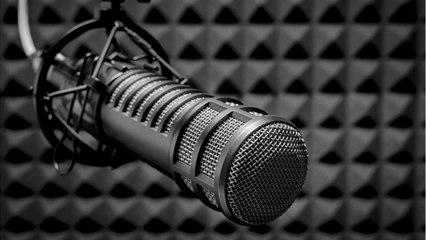 (WCHT_17.051) STOP TALKING START LISTENING (MI)